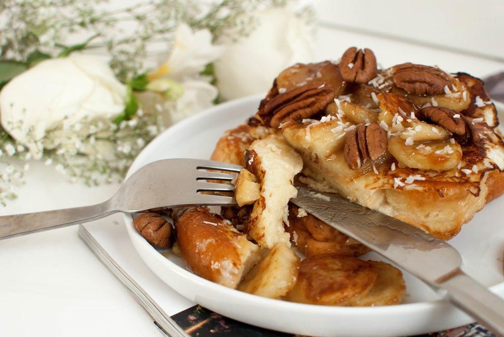 brioche perdue bananes rôties au caramel beurre salé noix de pecan recette food recipe le petit monde d'elodie