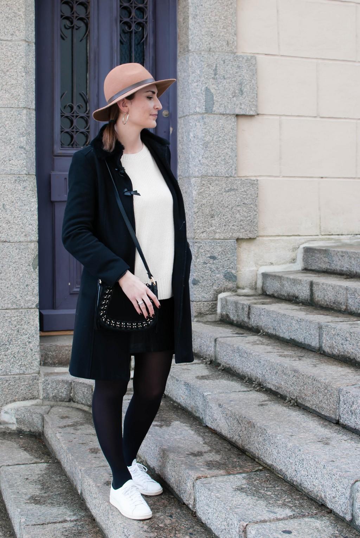 look mode jupe simili et pull maille coton le petit monde d'elodie