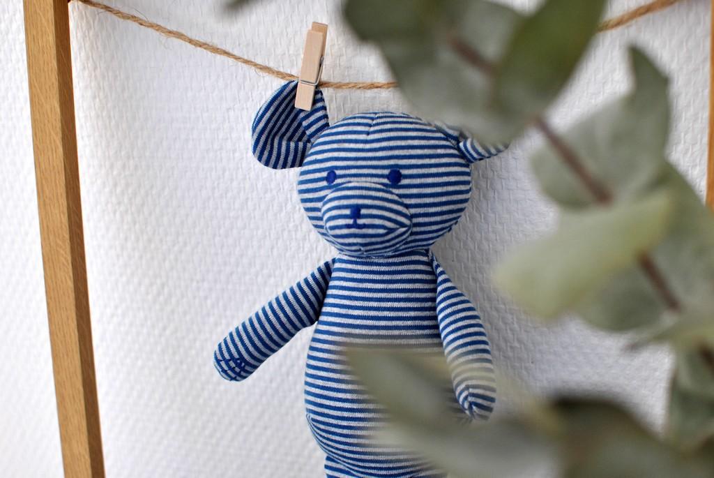 chambre de bébé diy do it yourself pour cadeau de naissance bébé doudou et cadre le petit monde d'elodie
