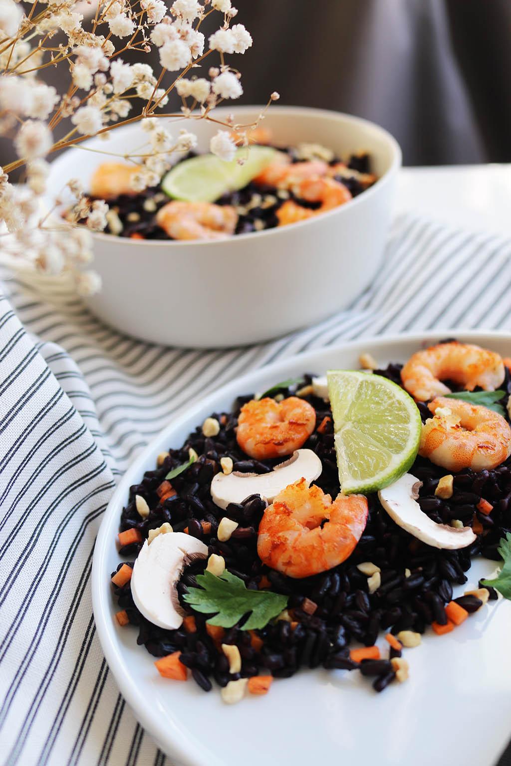 salade de riz noir aux crevettes et petits l gumes le. Black Bedroom Furniture Sets. Home Design Ideas