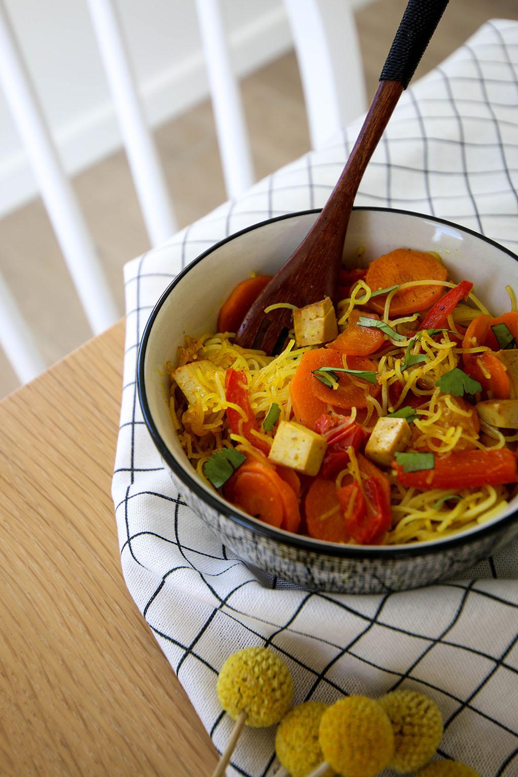 vermicelles de riz recette avec des poivrons et carottes
