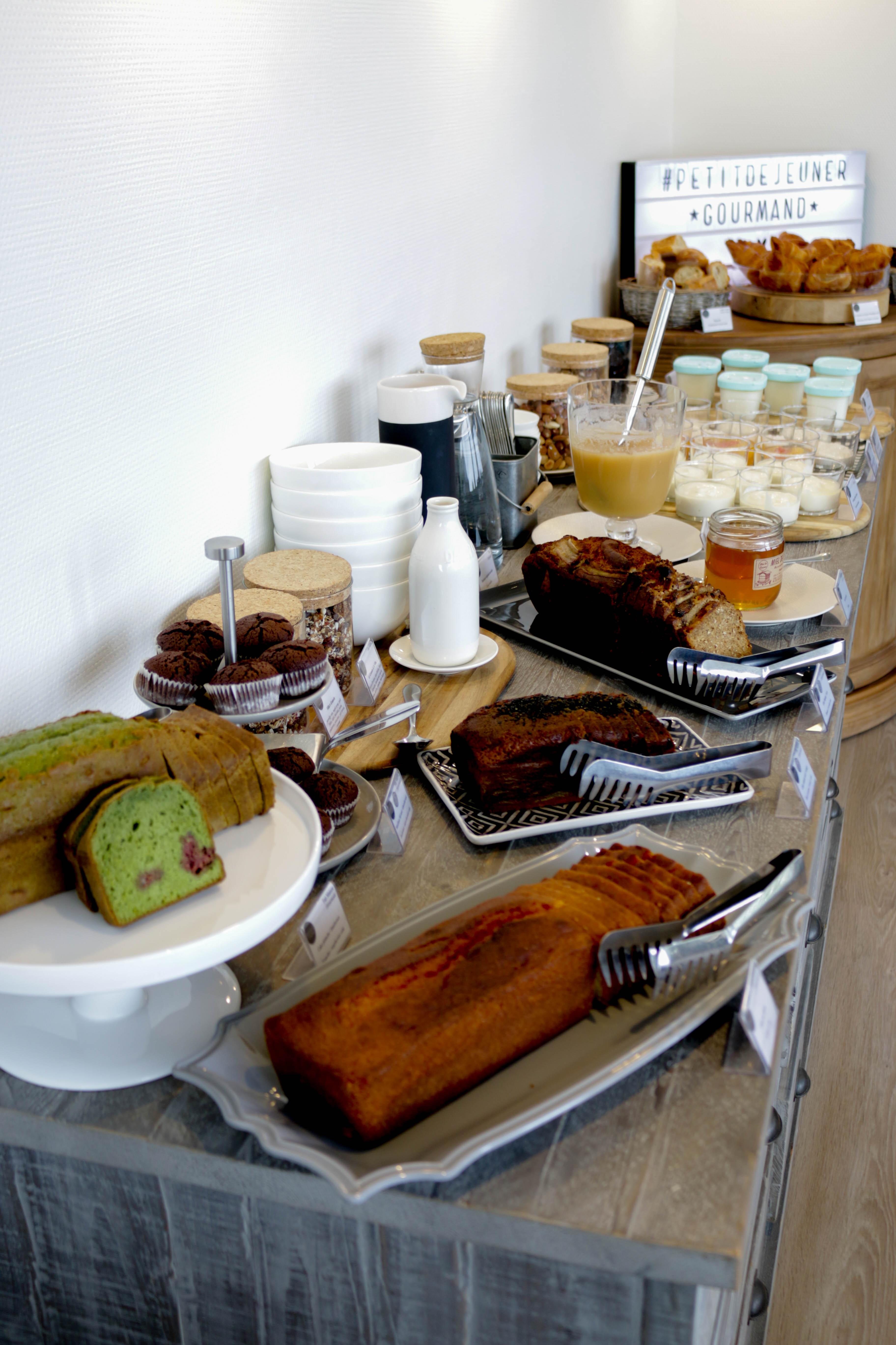 buffet petit dejeuner de la villa les hydrangeas