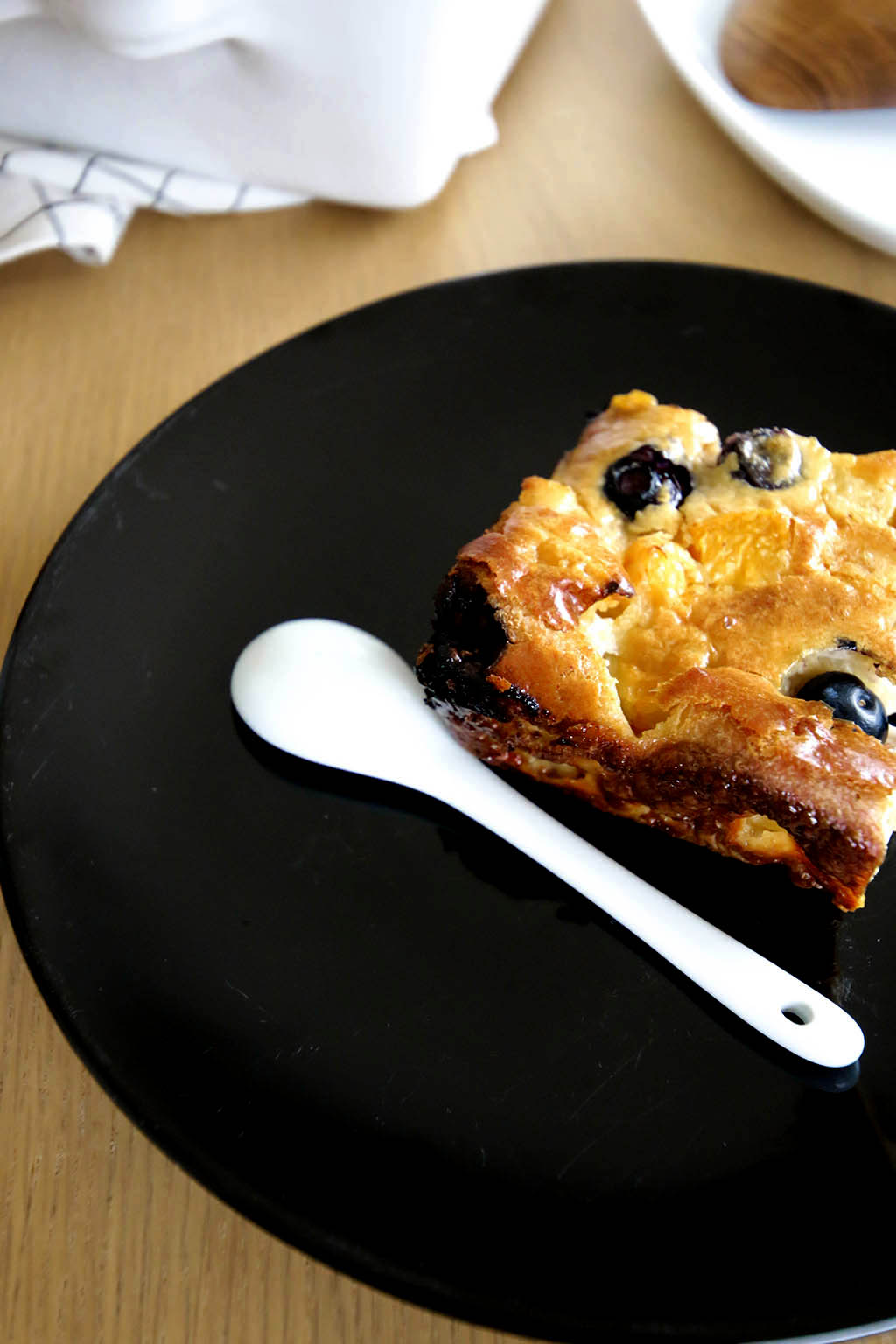 part de clafoutis aux fruits