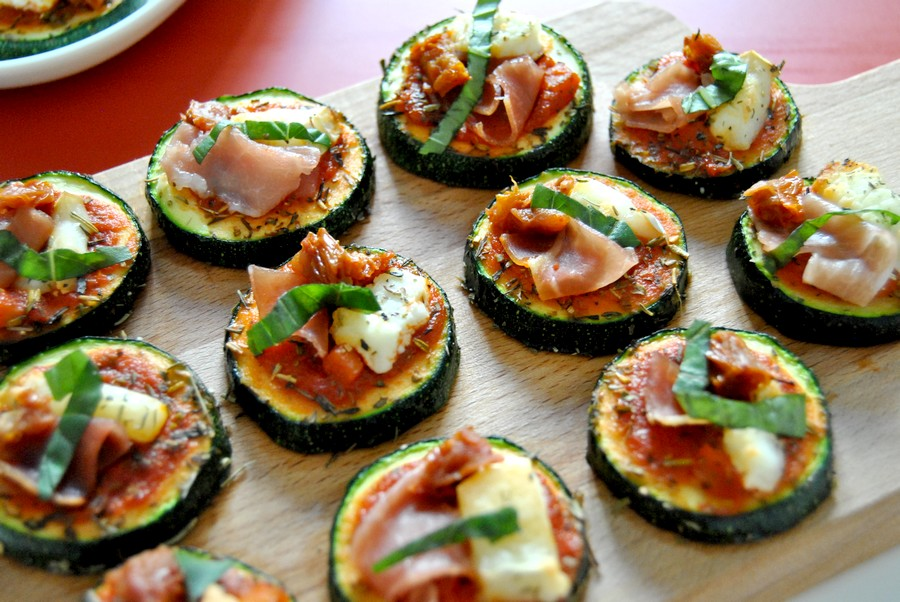 mini pizzas de courgettes