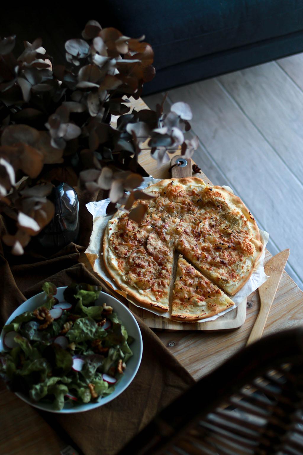 pizza végétarienne aubergine parmesan oignon