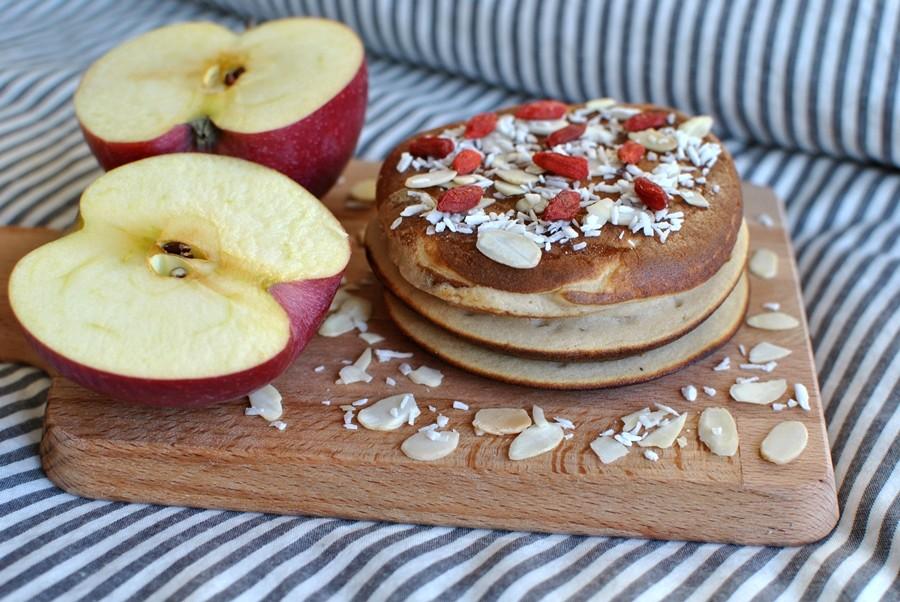 recette healthy vegetarien vegetarienne pancakes à la compote de pommes sans gluten sans lactose sans beurre