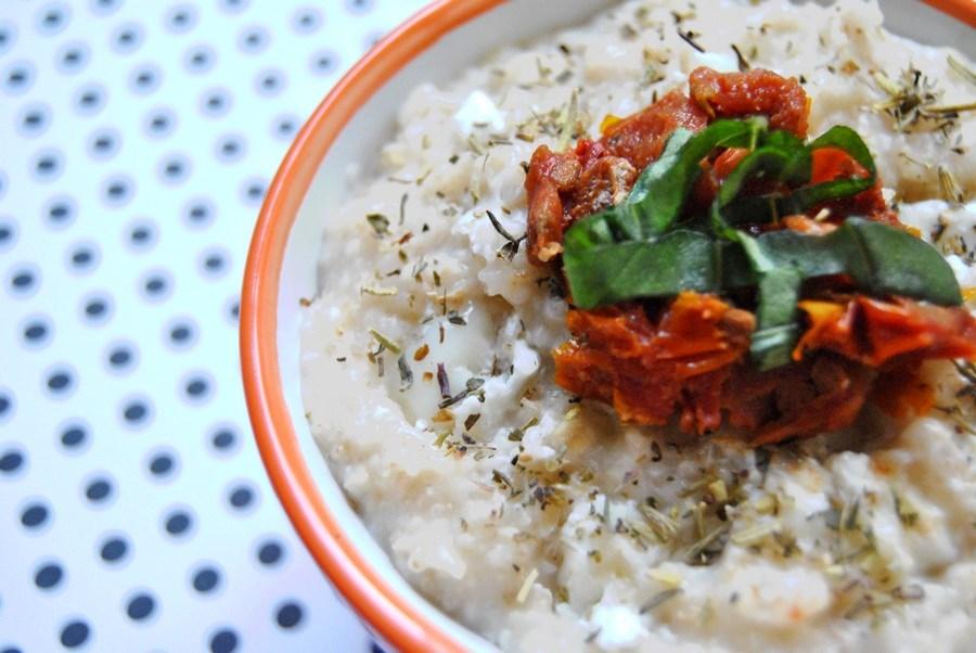 porridge salé au chèvre et tomates confites recettes recette food healthy le petit monde d'elodie brunch lunch petit déjeuner oatmeal