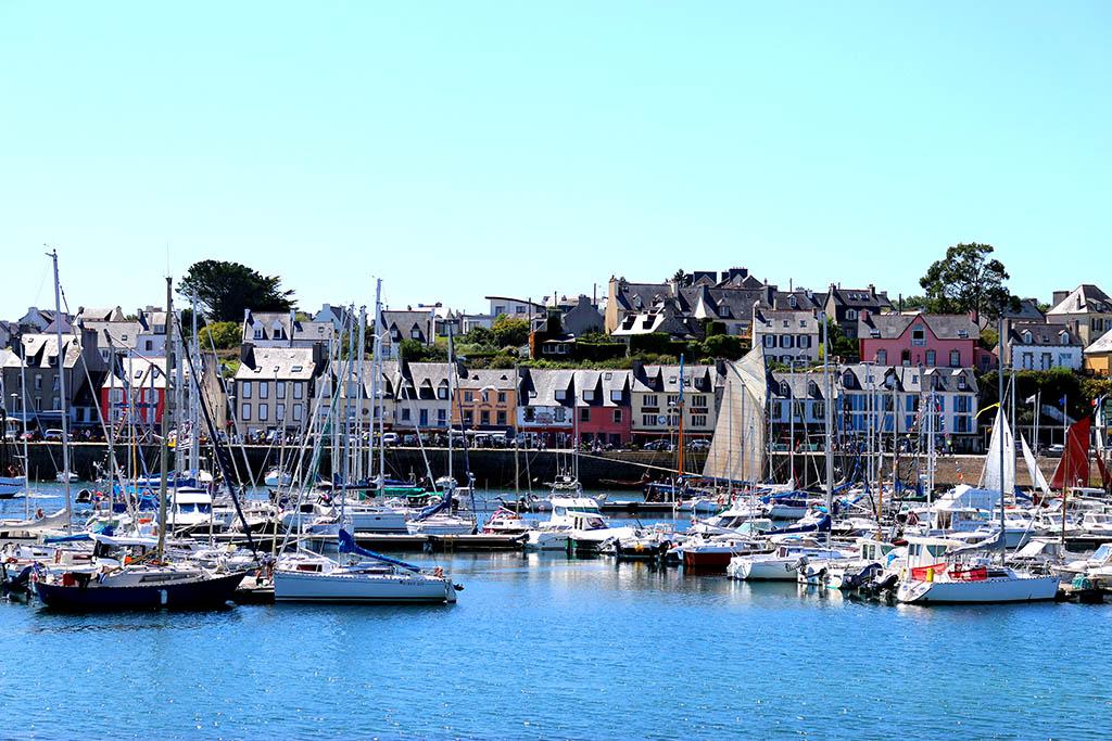 Promenade à Camaret-sur-Mer, dans le Finistère en Bretagne