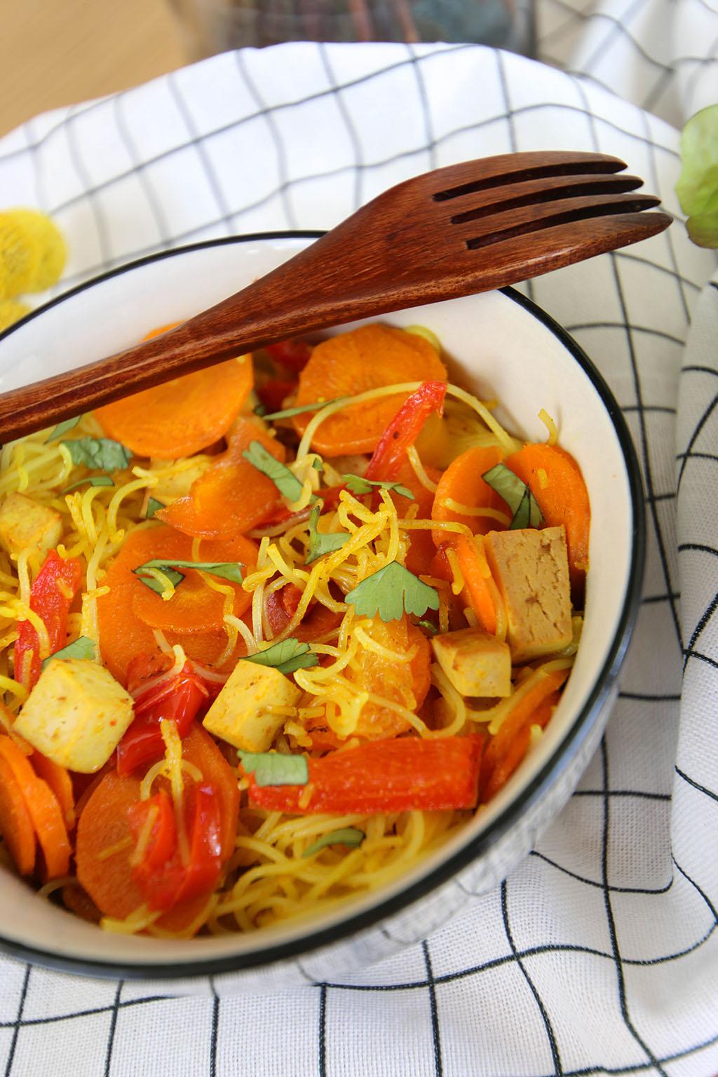vermicelles de riz poivrons carottes