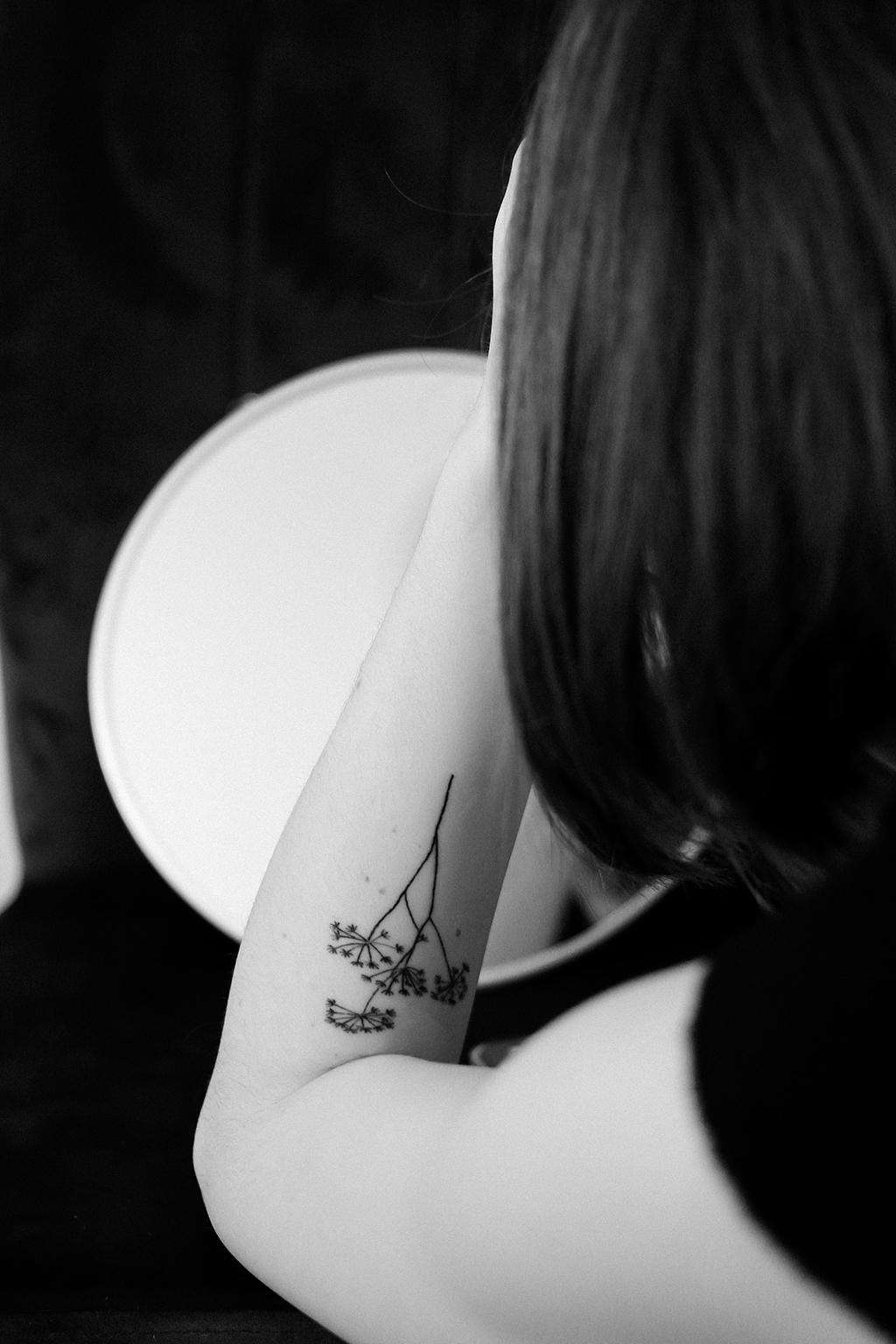 mon premier tatouage en noir et blanc
